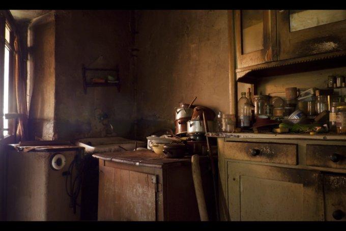 """""""El vino del estío"""", de Ray Bradbury, es una obra conmovedora, capaz de llevarnos en volandas, suavemente, a los rincones más recónditos de nosotros mismos, a la cocina donde se guisan nuestros miedos y nuestras más limpias aspiraciones."""