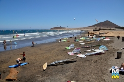 manuelmoramorale_042_MEDANO_SURFING